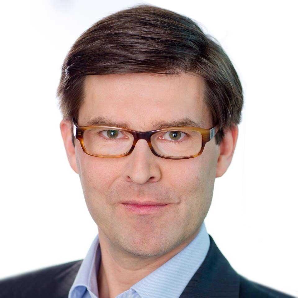 "Michael Stenberg<br /><img src=""https://cmcx.com/wp-content/uploads/2019/01/Siemen_140.png"" style=""max-width:140px;width:100%;height:auto;margin-top:12px;"">"