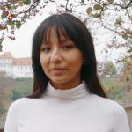 "Nasiba Sharipova <br /><img src=""https://cmcx.com/wp-content/uploads/2020/02/blinkist-cmcx-140.png"" style=""max-width:140px;width:100%;height:auto;margin-top:12px;"">"
